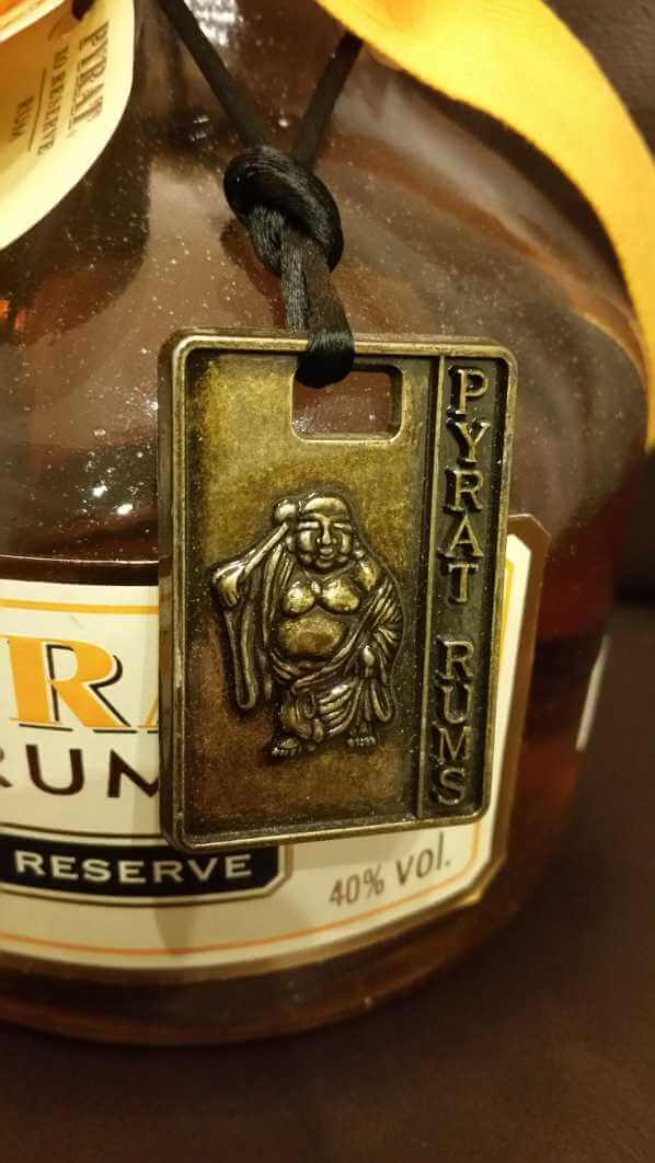 Pyrat XO Reserve Rum Metallanhänger