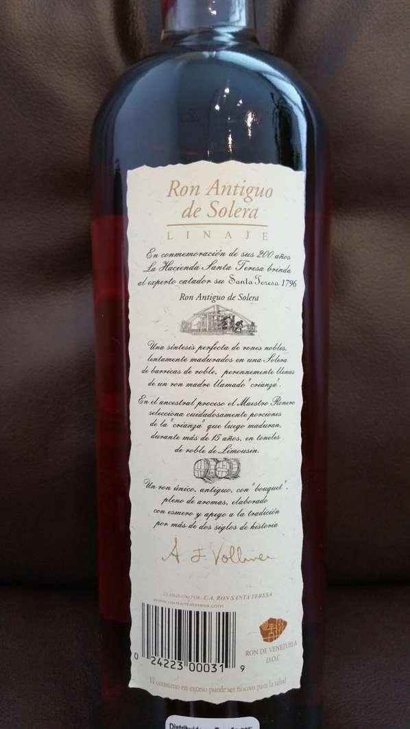Santa Teresa 1796 Rum Flasche Etikett nah