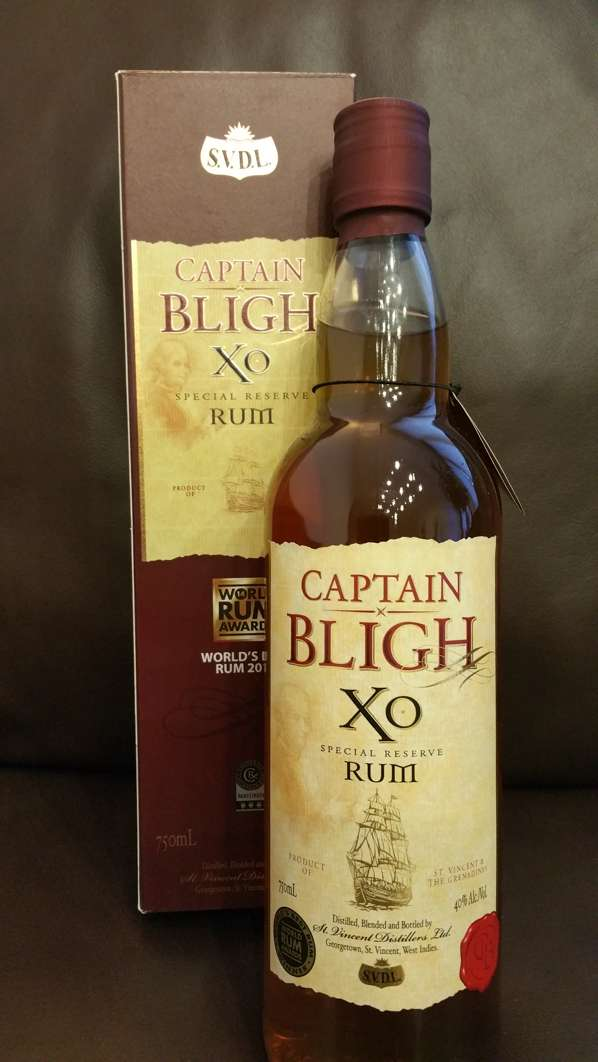Sunset Captain Bligh XO Reserve Rum Flasche + Packung 2