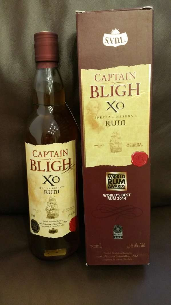 Sunset Captain Bligh XO Reserve Rum Flasche + Packung nah