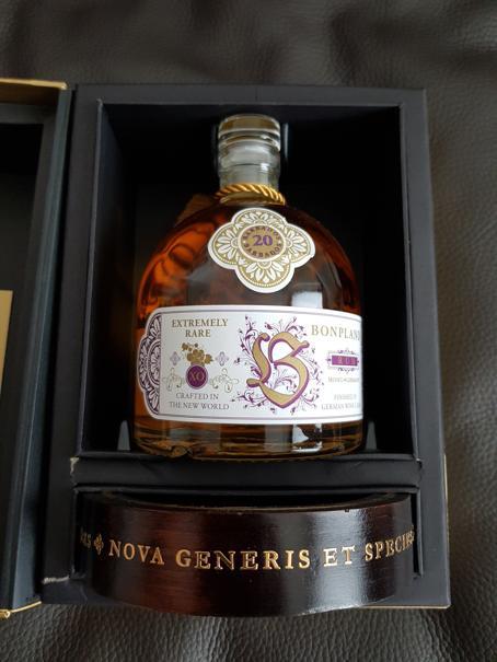 Bonpland Rum Barbados 20 Jahre Verpackung offen mit Flasche 2