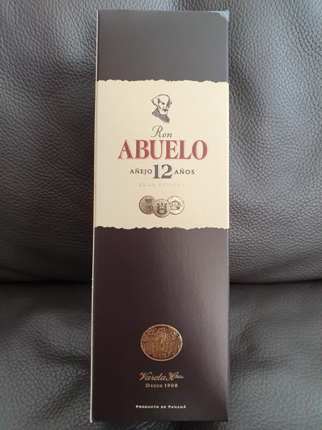 Abuelo Rum 12 Jahre Packung